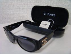 CHANEL プラスチック サングラス ブラック
